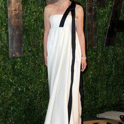 Natalie Portman looks statuesque in Dior.