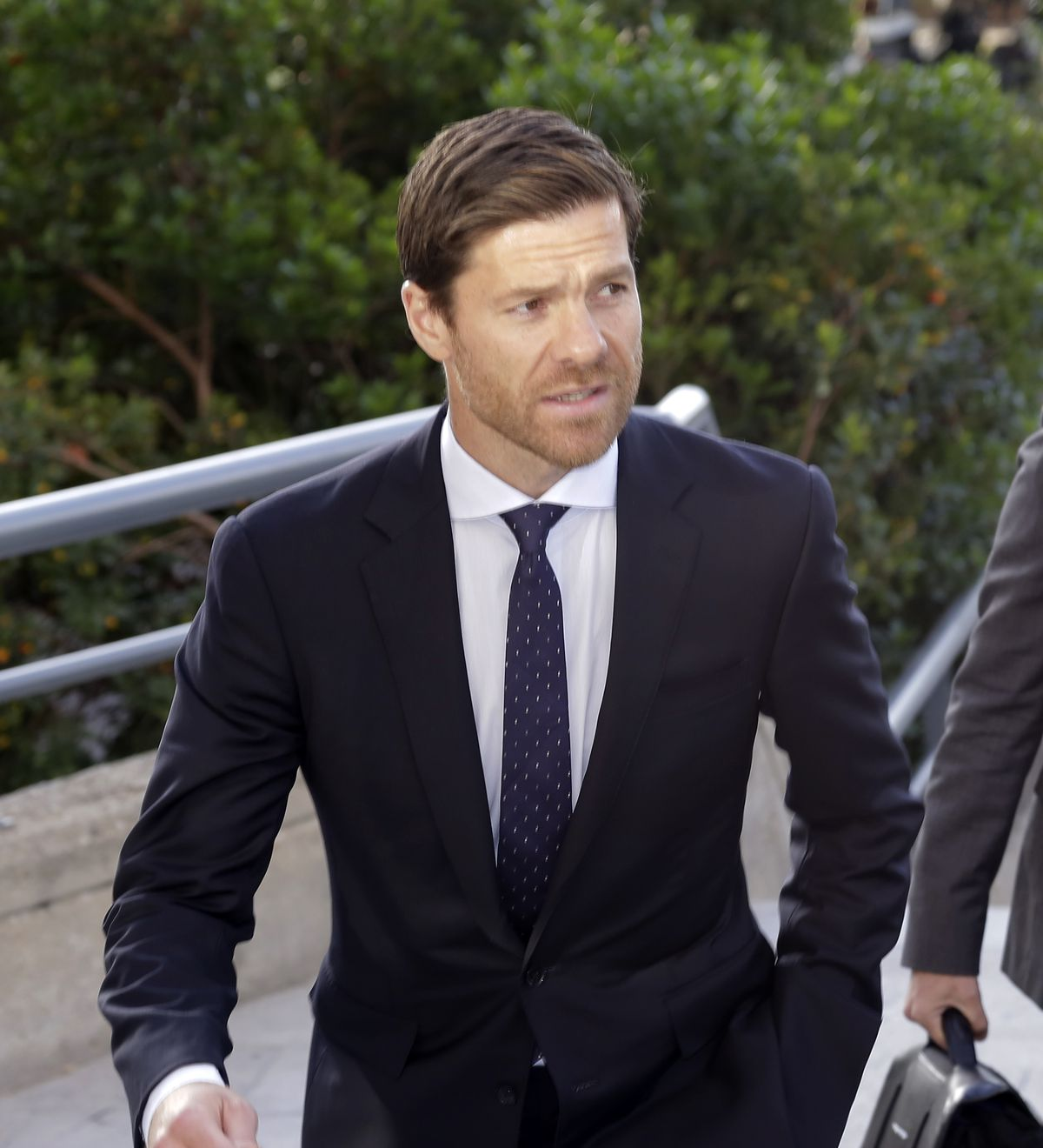 Xabi Alonso Alonso Arrives At Audiencia Provincial In Madrid