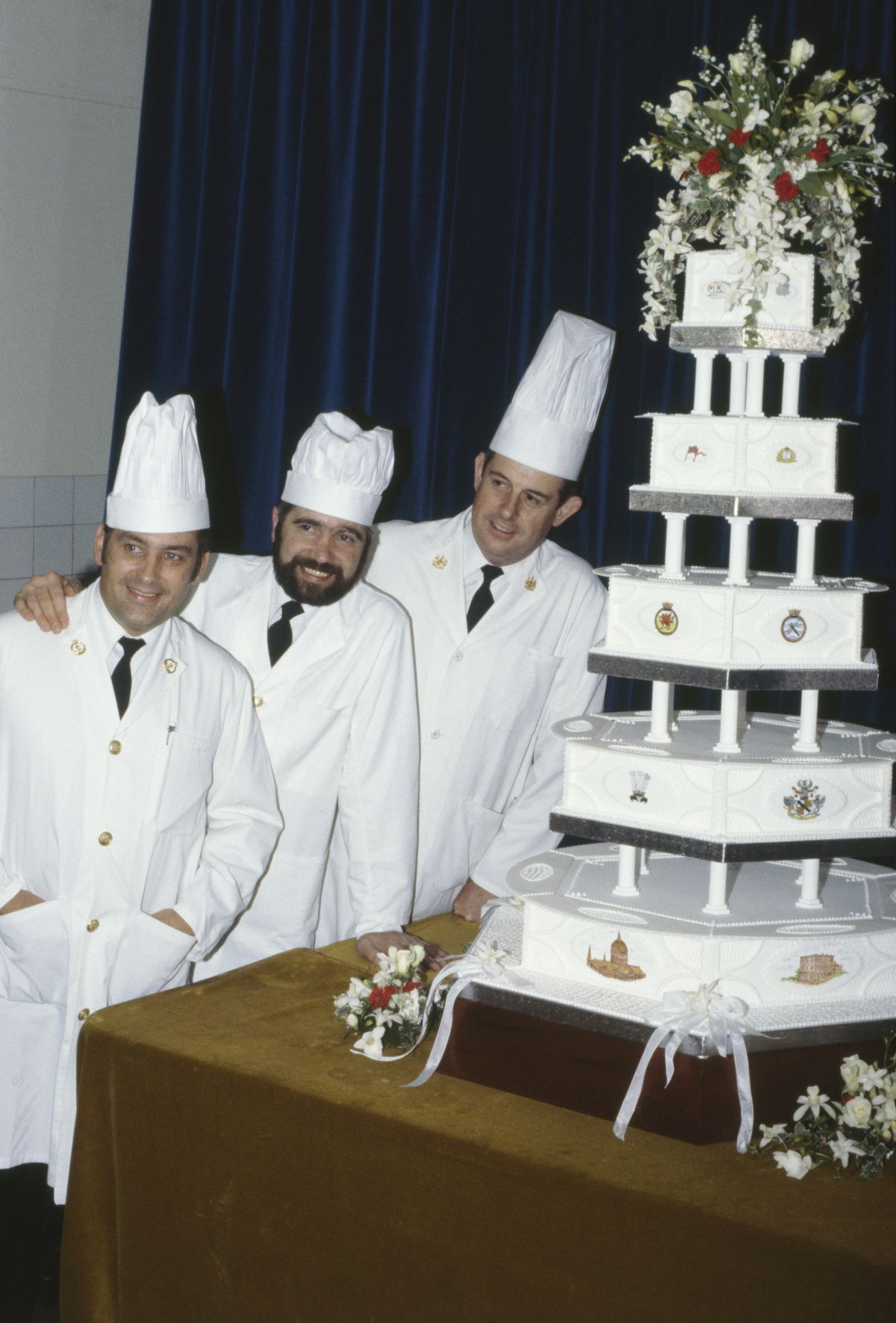 lady di wedding cake royal wedding cakes the years eater 16703