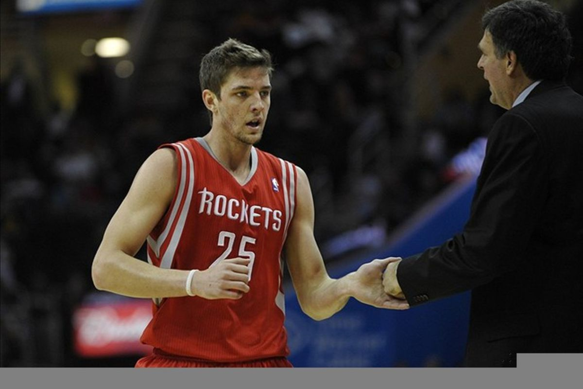 Some cultures find it disrespectful to shake hands with the left. Atta boy, Chandler Parsons.