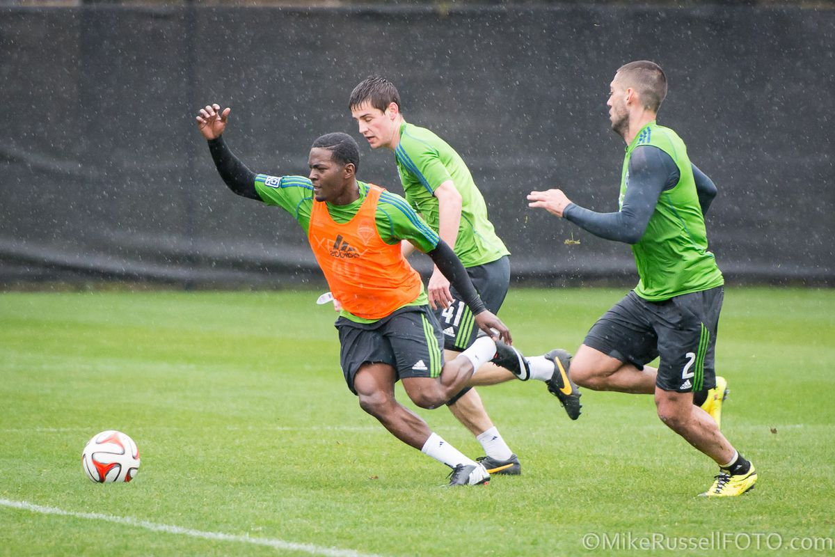 Darwin Jones training with the First Team during his college offseason.