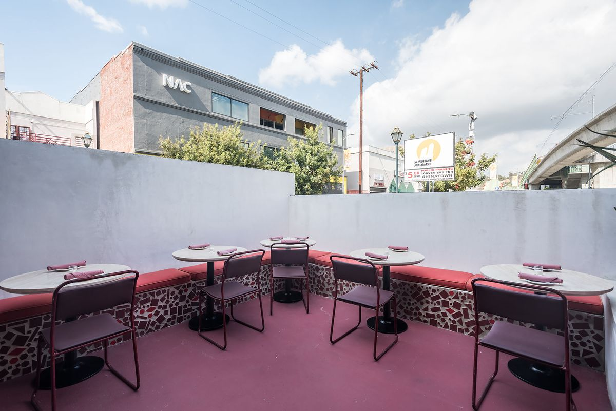 Oriel's Suave Wine Bar Vibes Mesh Perfectly With Chinatown - Eater LA