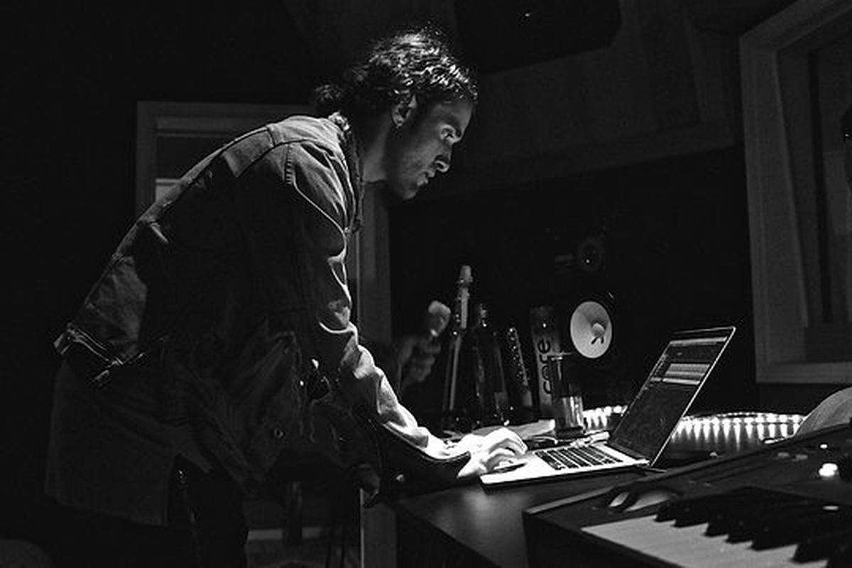 The Weeknd's engineer Illangelo