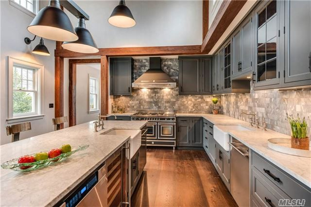 5 Gorgeous Kitchens In Hamptons Homes For Sale Curbed Hamptons