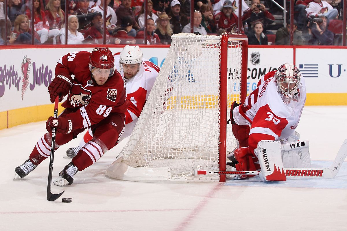 Don't forget, tonight is Coyotes-Red Wings at 4:30!