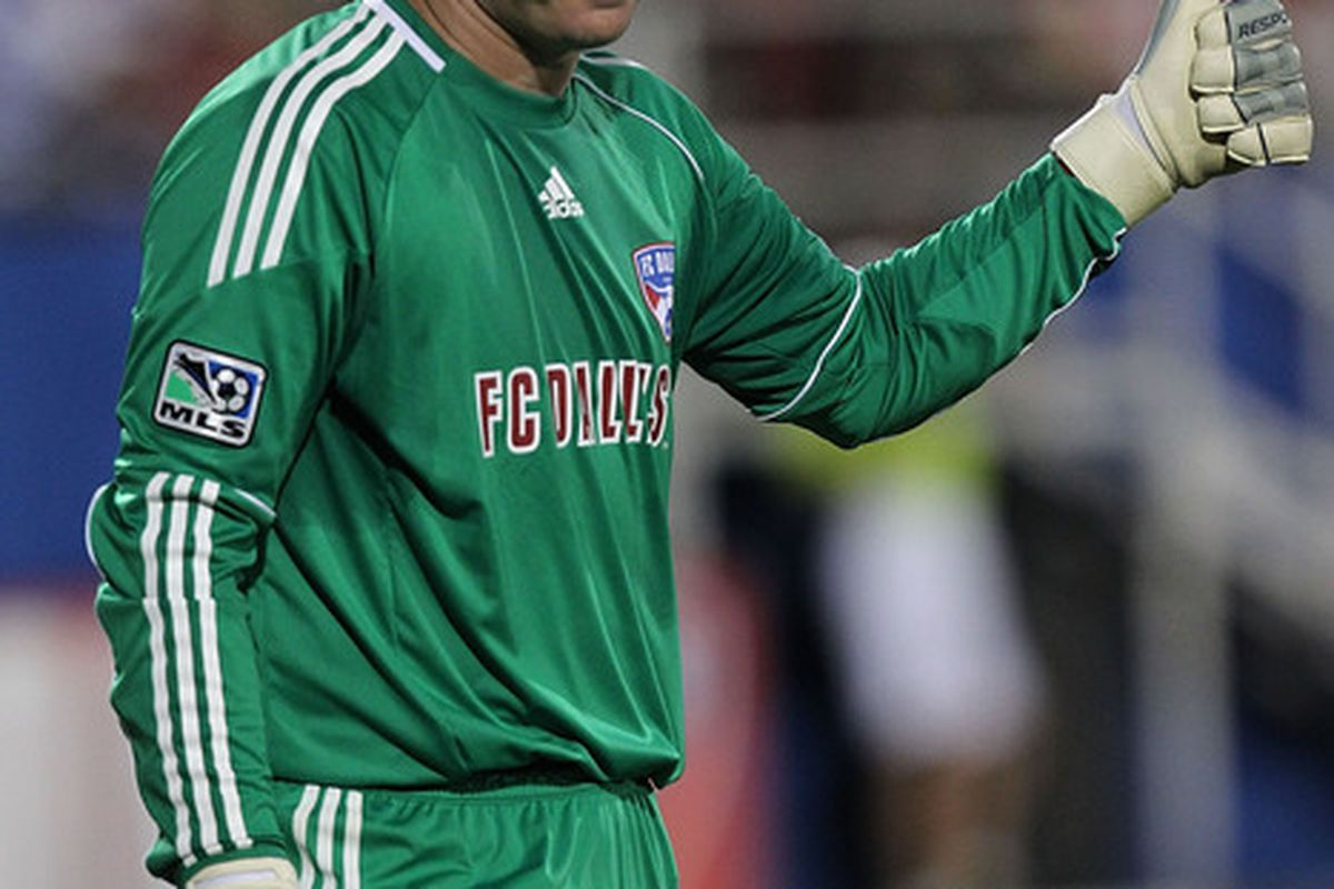 FRISCO TX - AUGUST 21:  Goalkeeper Kevin Hartman #1 of FC Dallas at Pizza Hut Park on August 21 2010 in Frisco Texas.  (Photo by Ronald Martinez/Getty Images)