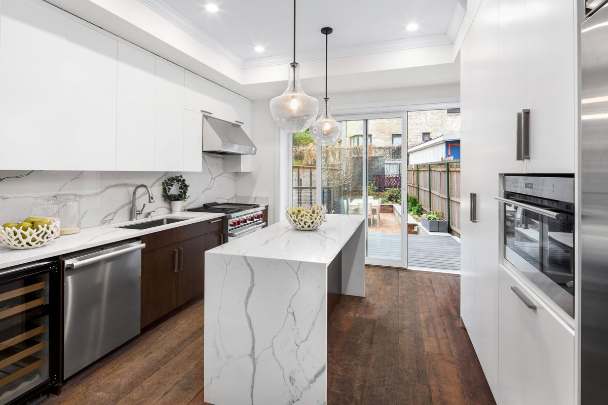 19th-century West Village townhouse wants $12.5M after an eco ...