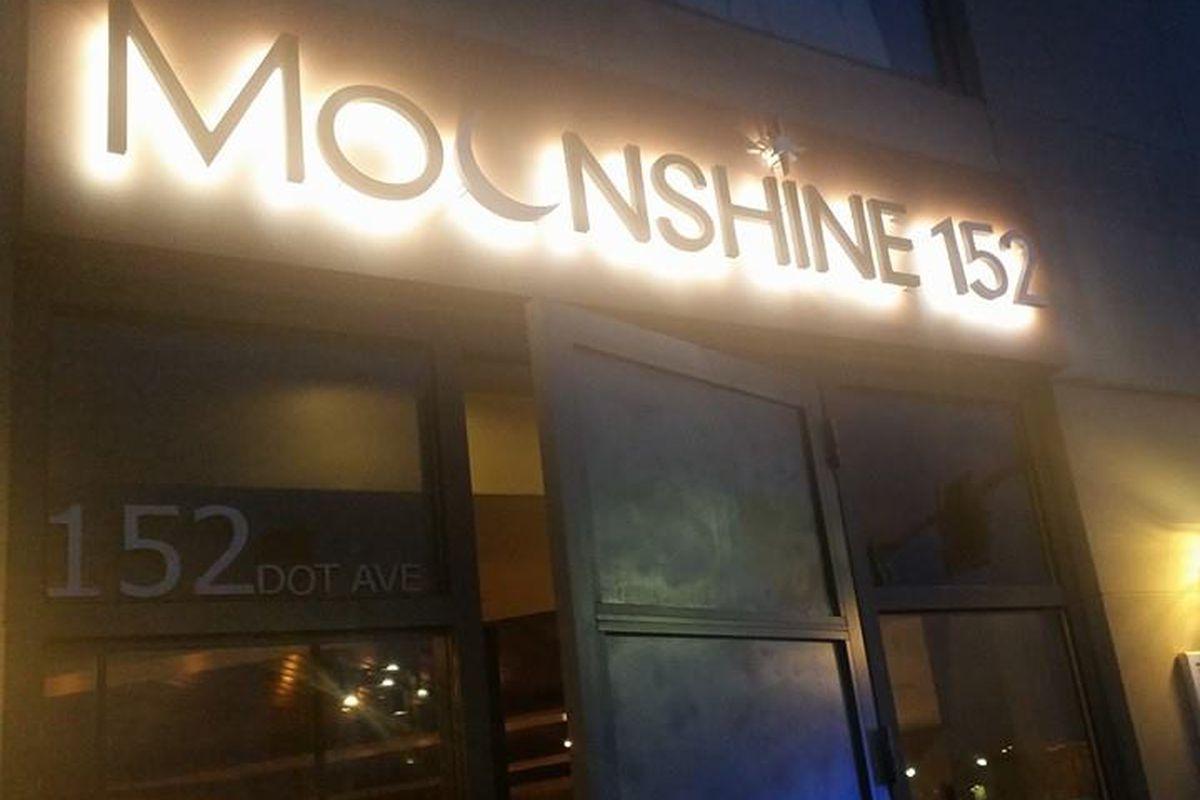Moonshine 152