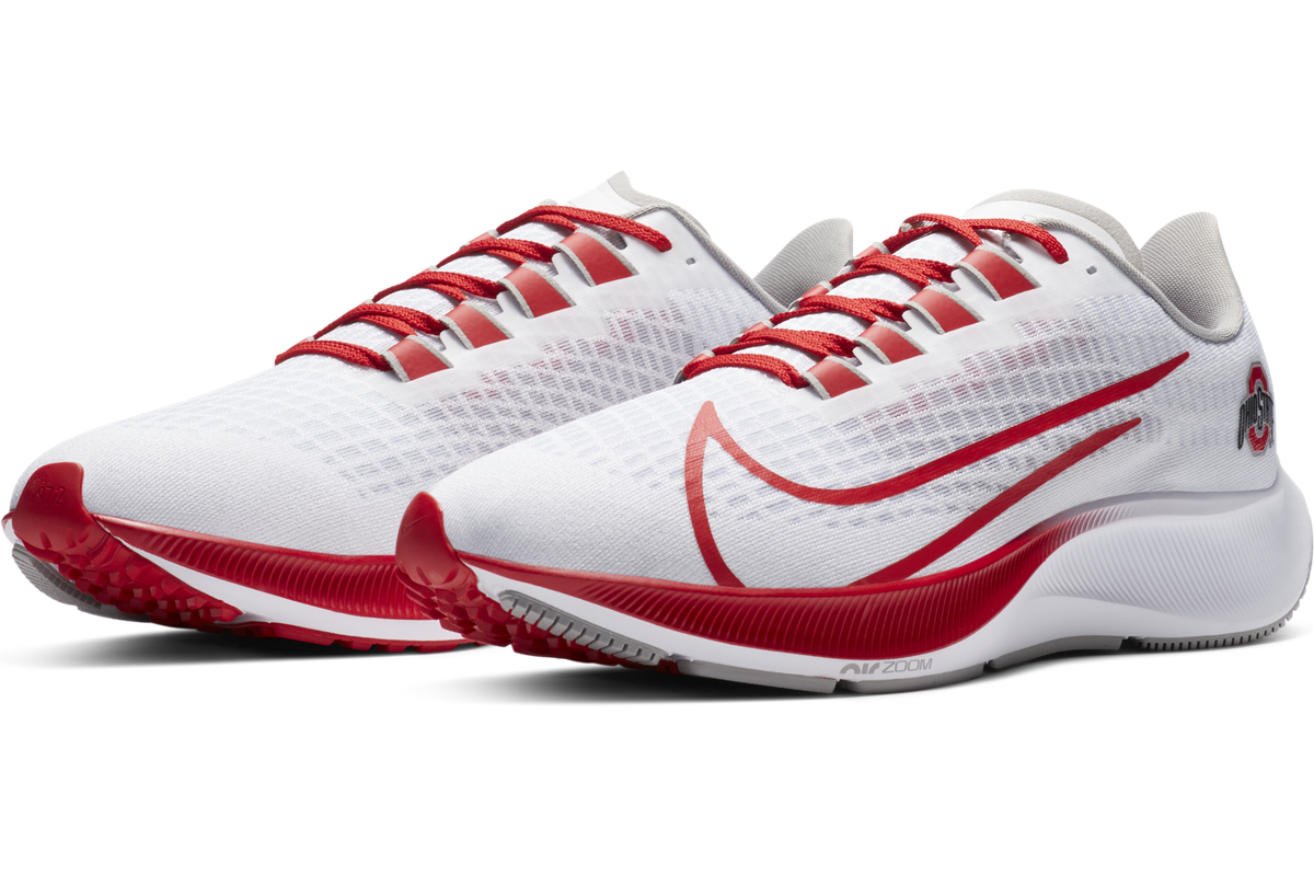 pulcro la mejor moda diseño innovador Nike drops the new Air Zoom Pegasus 37 Ohio State shoe! - Land-Grant Holy  Land