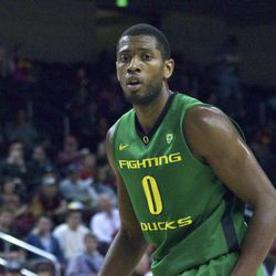 Mike Moser had 20 points to lead Oregon.