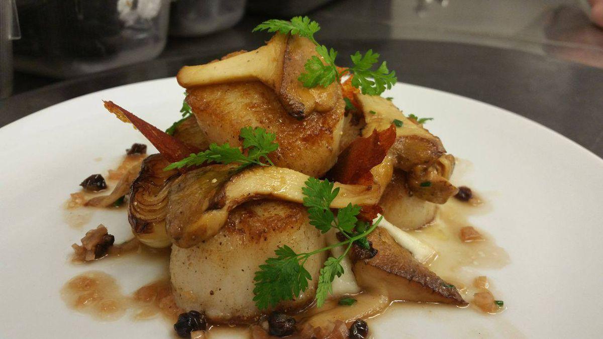 pan-roasted scallops en fuego