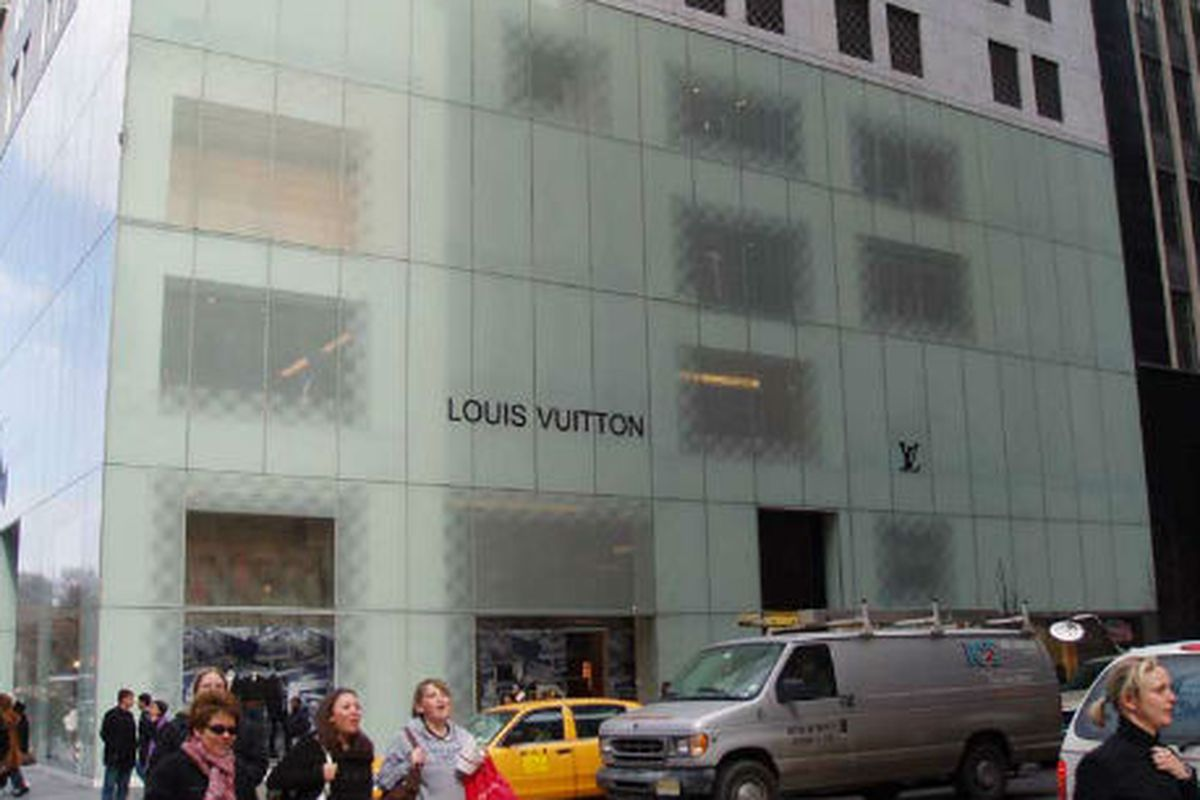 """Image via <a href=""""http://thisisfrendylemorin.net/blog/2011/11/the-magic-behind-5th-ave-louis-vuitton-display/"""">Frendy Says</a>"""