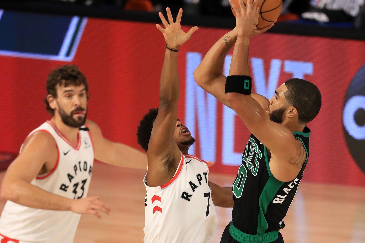Smart segna la strada, Tatum la percorre, i Celtics vanno 2-0 coi Toronto Raptors