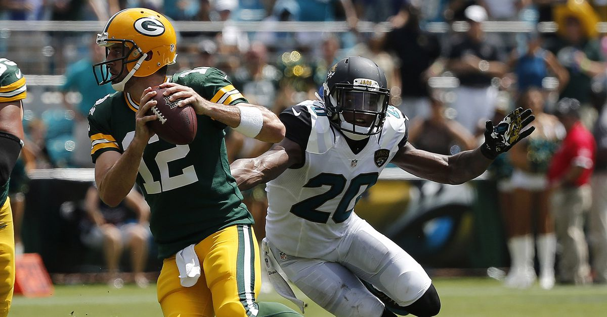 Jalen Ramsey doesn't think Aaron Rodgers sucks, which is pretty high praise