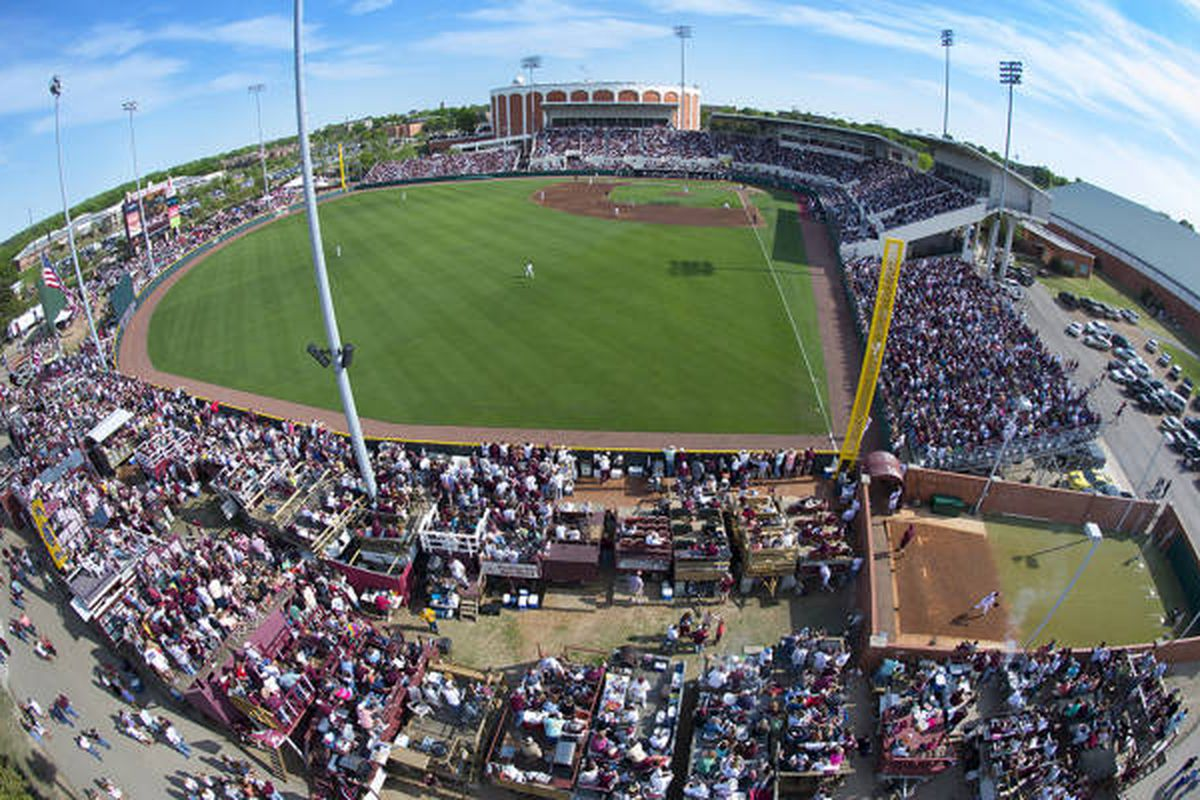 Dudy Noble will be rocking this weekend as the Dogs and Rebels square off