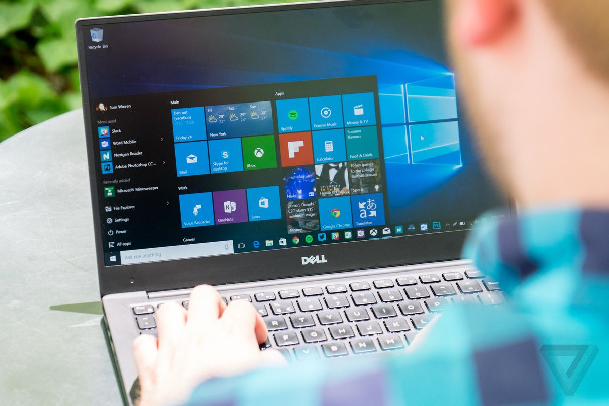 The Windows 10 calculator will soon be able to graph math equations
