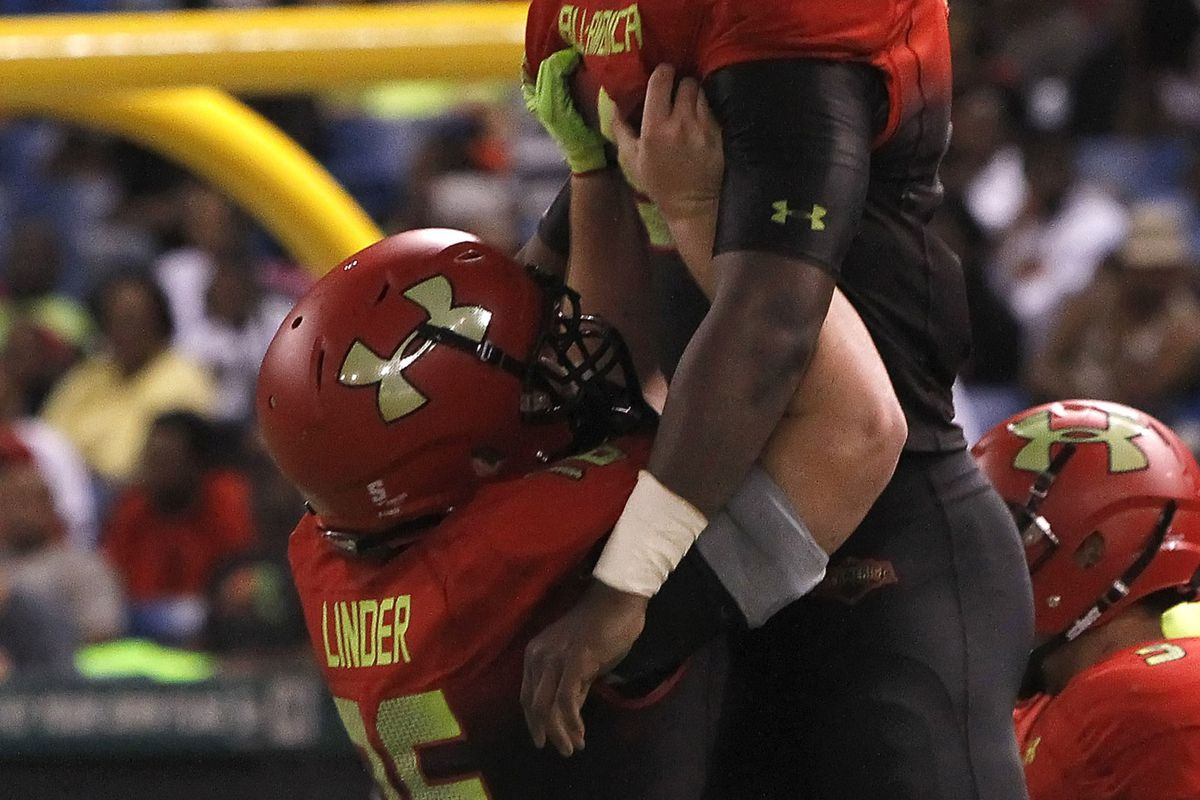 Nick Linder celebrates touchdown at UA All-America game