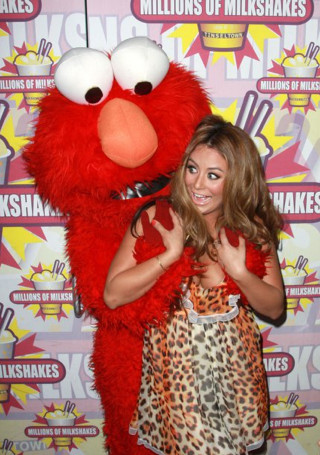 """<p> <a href=""""http://www.break.com/pictures/inappropriate-muppets-groper-2389546"""" target=""""_blank"""">via</a></p>"""