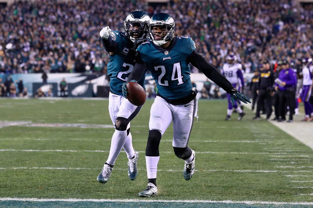 Philadelphia Eagles cornerback Patrick Robinson returns an interception for a touchdown