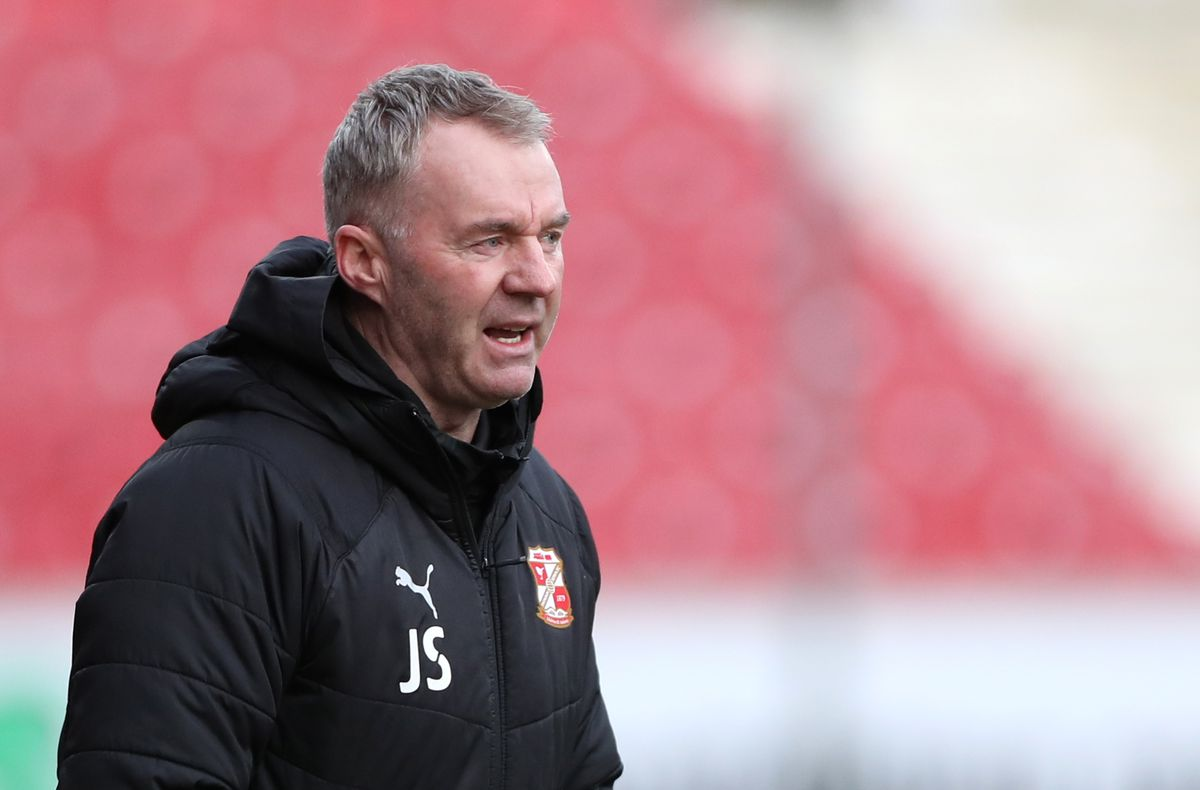 Swindon Town v Doncaster Rovers - Sky Bet League One - The County Ground