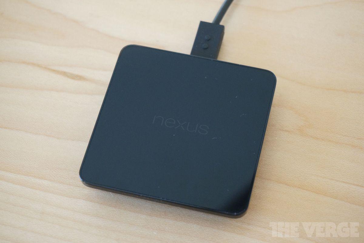 Gallery Photo: Nexus 5 hands-on photos