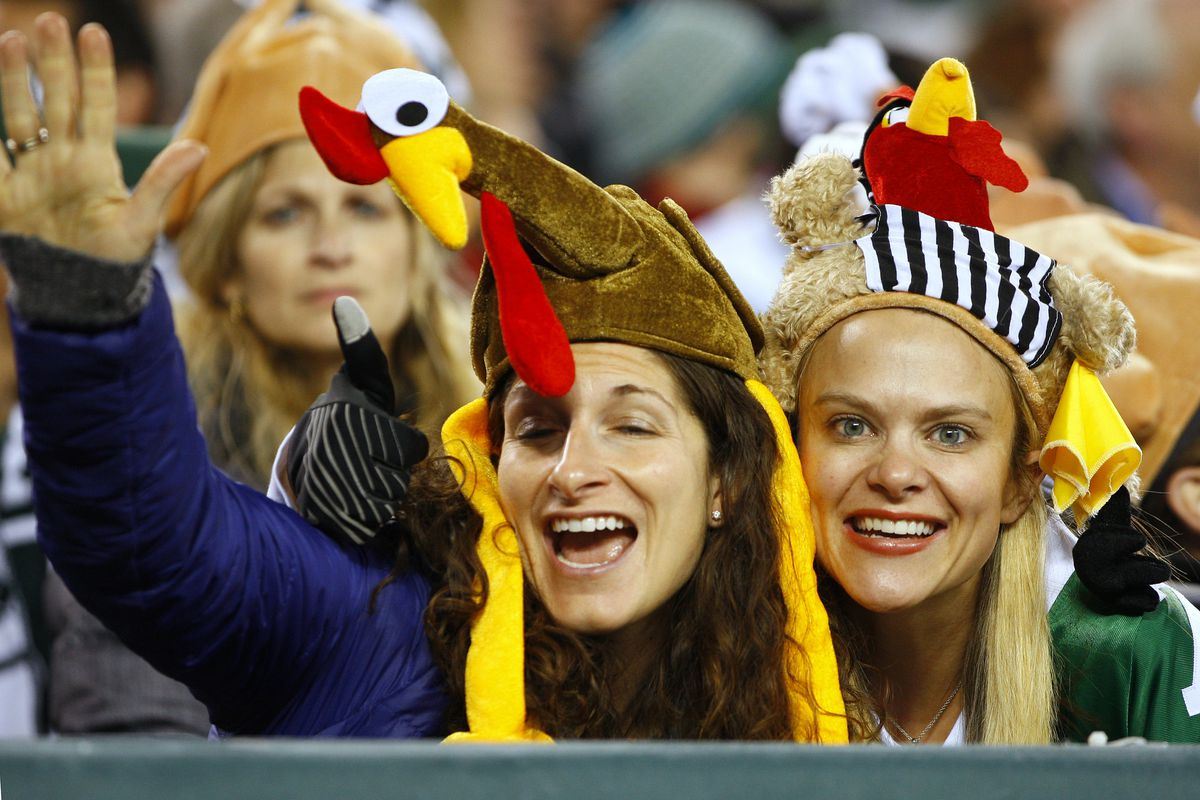 The Jets played like turkeys Thursday, and fans dressed appropriately.