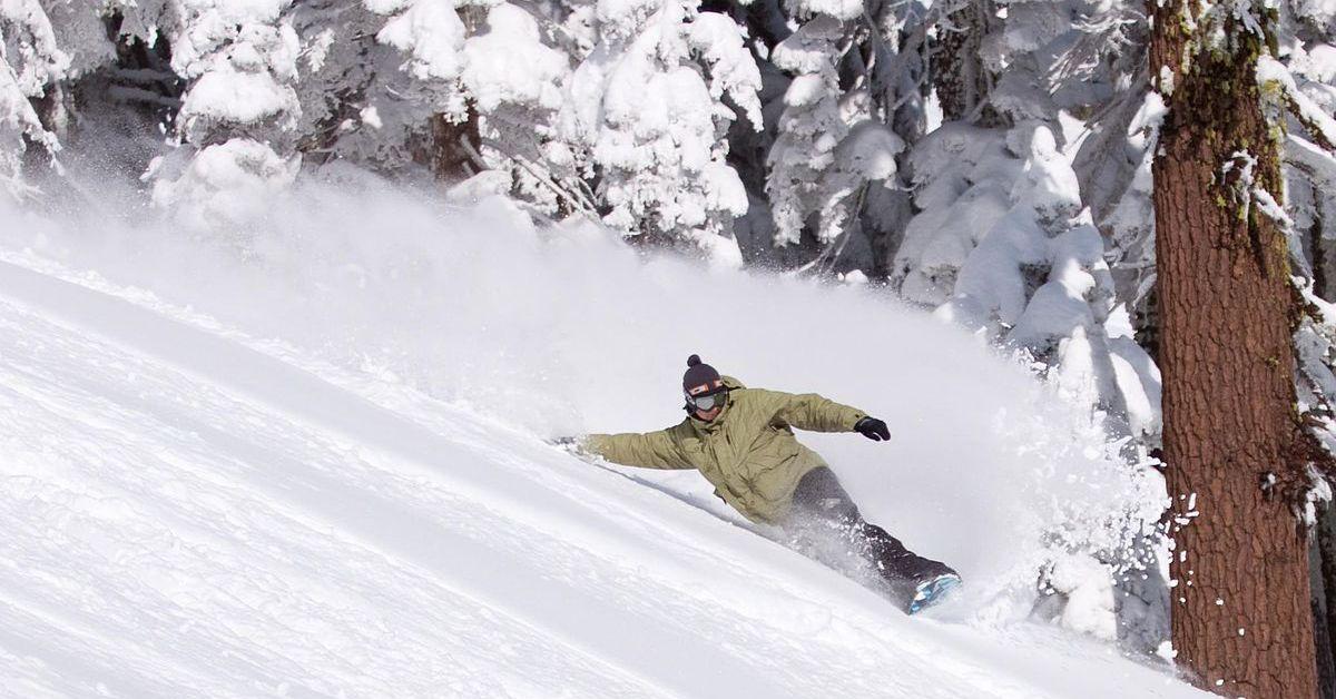 1200px_snowboarding