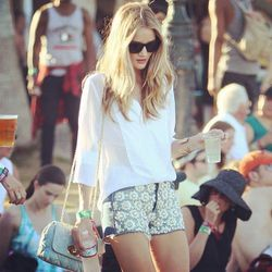 """Model Rosie Huntington-Whiteley. She tweeted her outfit: """"shorts by #ChristopherKane for @JBrandJeans shirt by #stylestalker."""" Photo via <a href=""""http://instagr.am/p/JtSKyHqfz1/"""">Instagram/The Trend Diaries</a>"""