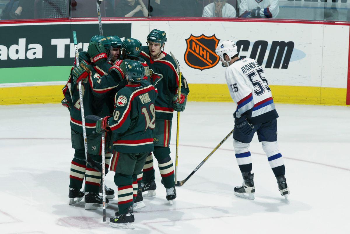Minnesota celebrates Dupuis goal