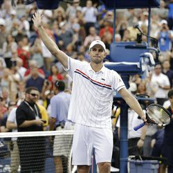 Andy Roddick waves to fans after his loss to Argentina's Juan Martin Del Potro in the quarterfinals during the 2012 US Open tennis tournament,  Wednesday, Sept. 5, 2012, in New York. Roddick said he would retire after the match. (AP Photo/Darron Cummings)
