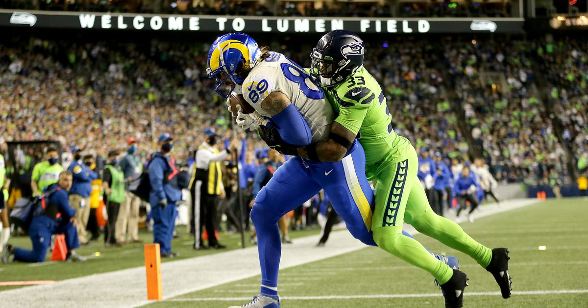Seahawks lose Russell Wilson, lose another home game to Rams 26-17 - Field Gulls