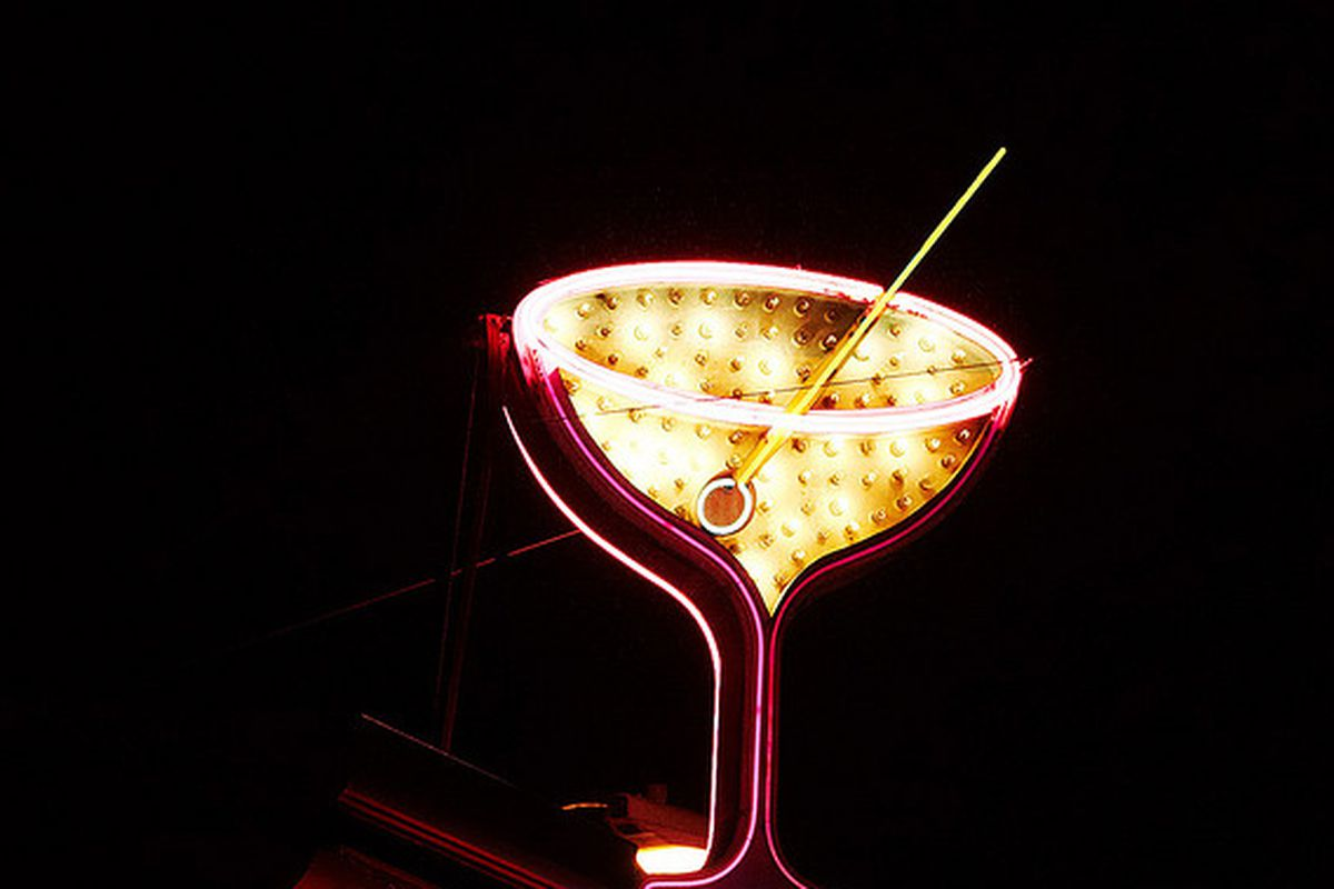 The 500 Club's iconic cocktail sign.