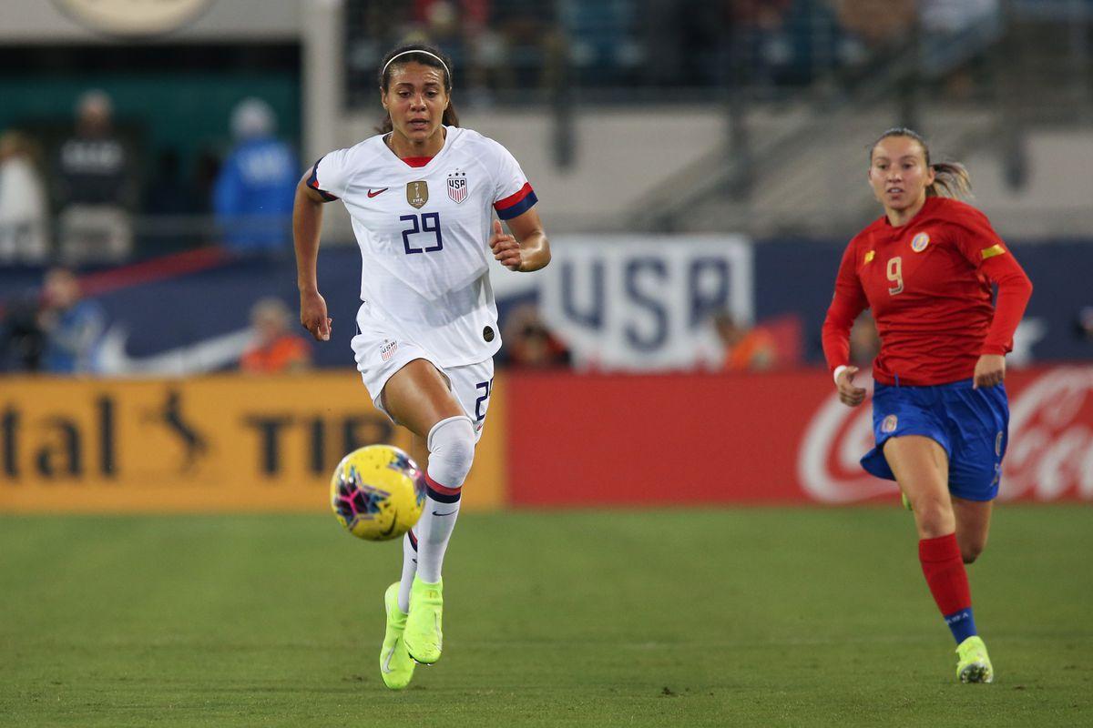 足球:11月10日美国v哥斯达黎加