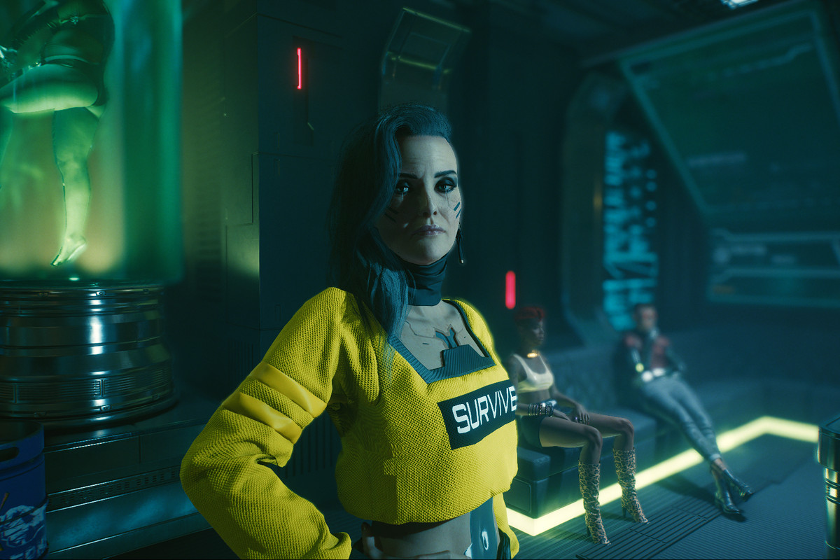 Rogue from Cyberpunk 2077 stands in a night club