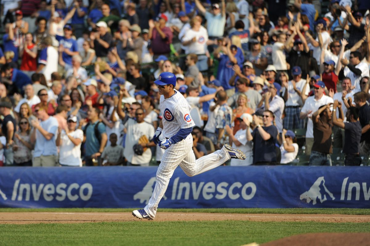 Anthony Rizzo of the Chicago Cubs hits a grand slam home run against the Pittsburgh Pirates at Wrigley Field in Chicago, Illinois.  (Photo by David Banks/Getty Images)