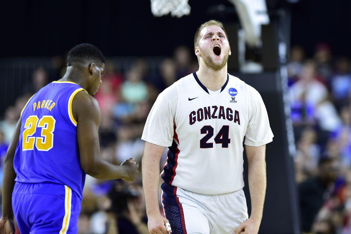 Przemek Karnowski celebrates during Gonzaga's 2015 Sweet 16 win over UCLA.