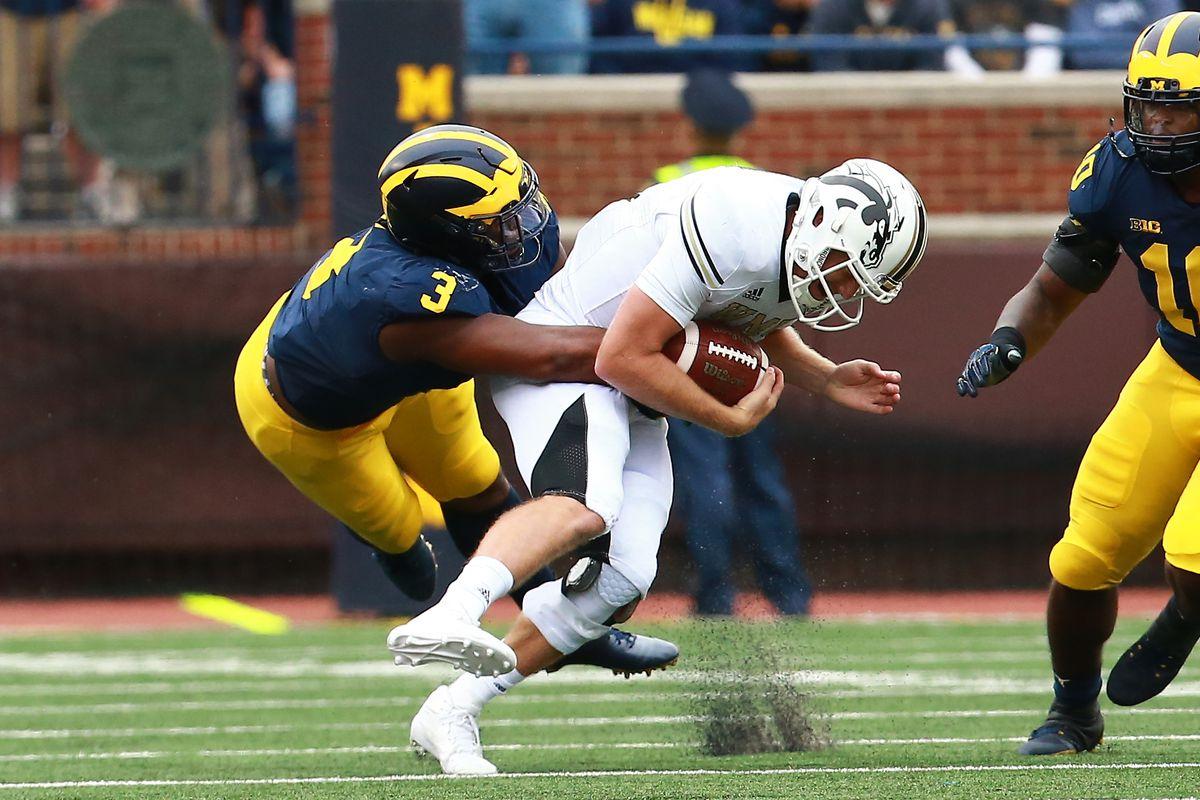 2020 3-star DE Aaron Lewis commits to West Virginia over Michigan, others