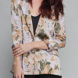 """<b>Dear Fieldbinder</b> printed silk blazer, <a href=""""http://dearfieldbinder.com/index.php/clothing/outer-wear/silk-printed-blazer.html"""">$332</a>"""