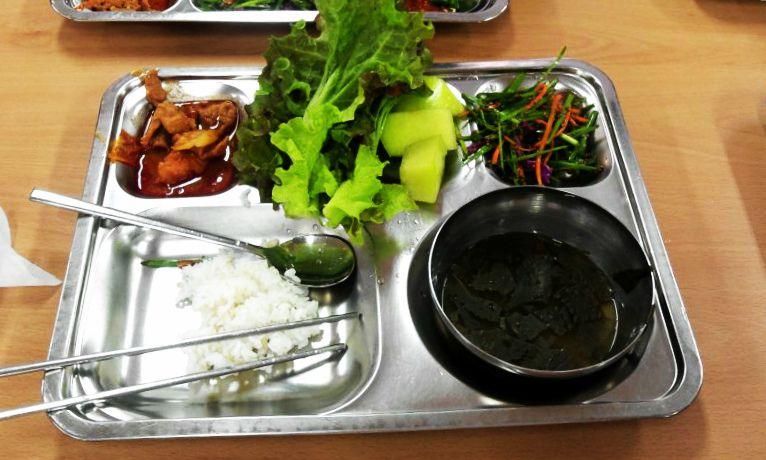 School lunch in Korea