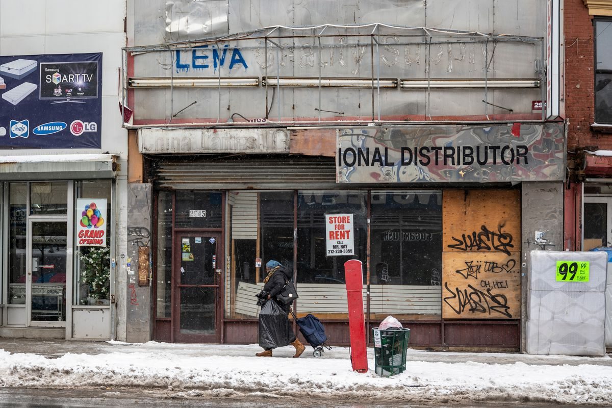 Businesses showed signs of economic struggles in the South Bronx's Hub, Feb. 19, 2021.