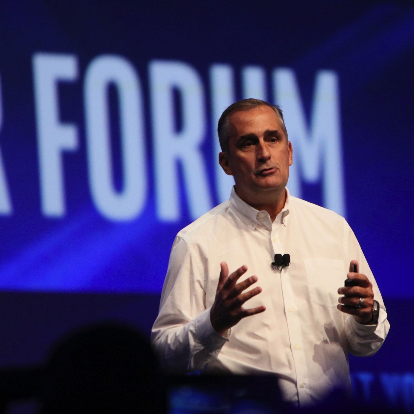 Intel will start building ARM-based smartphone chips - The Verge