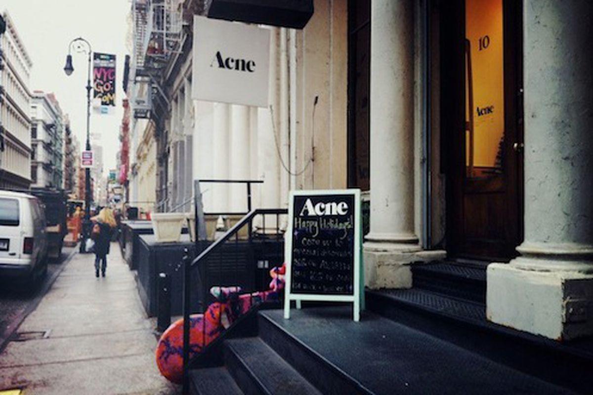 """Acne's 10 Greene Street store. Image via <a href=""""http://citytour.porhomme.com/2011/acne-studio/%22"""">City Tour</a>"""