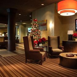Ten Bar & Lounge at the Wyndham Hotel