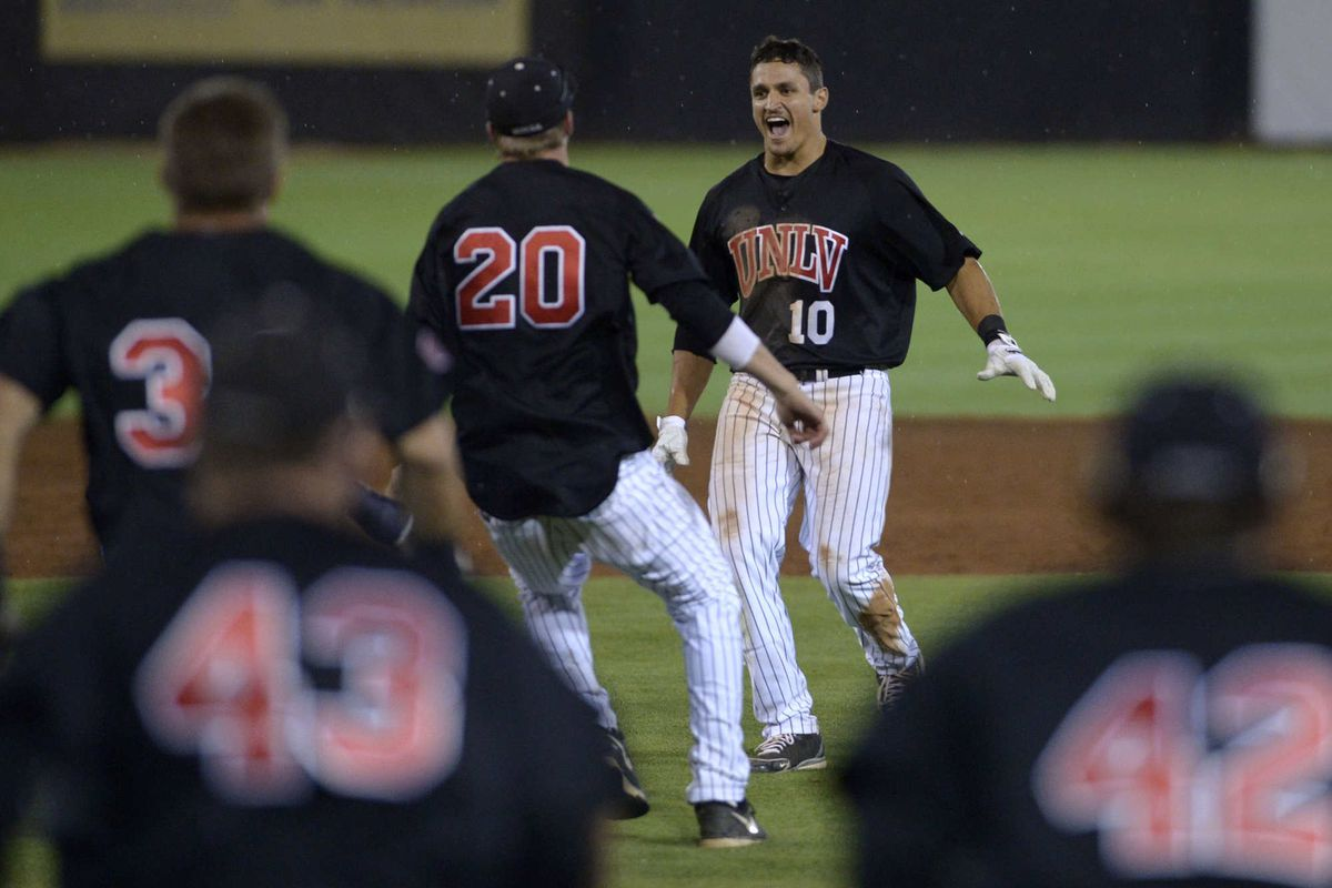 White delivers winning RBI in ninth inning