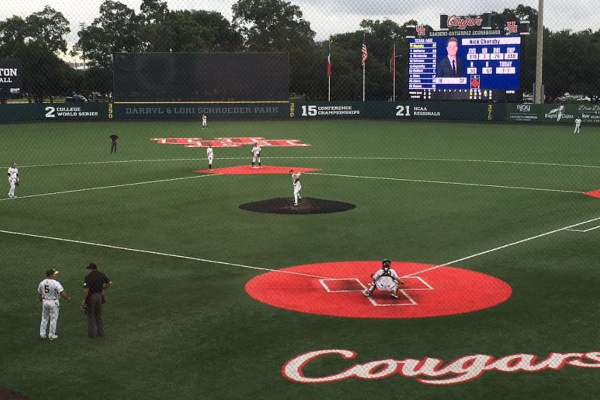 Houston eliminates Baylor with 17-3 victory in home regional
