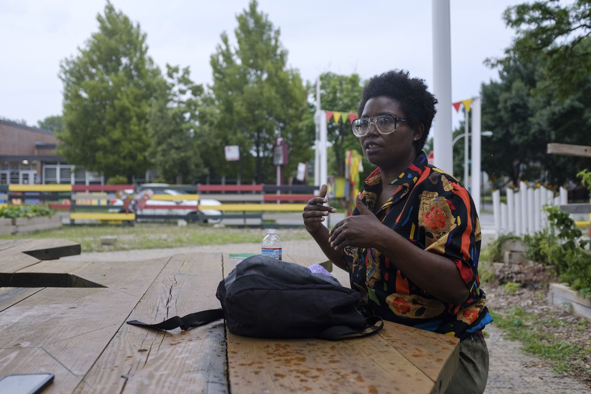 Lavon Pettis speaks about what it means for a community to have things that bring communities together near the alt_ Market in Grand Crossing, Wednesday, July 15, 2020. | Anthony Vazquez/Sun-Times