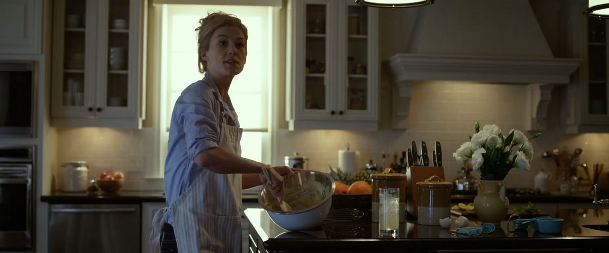 In Gone Girl, Rosamund Pike plays Amy, who makes cookies in one scene.