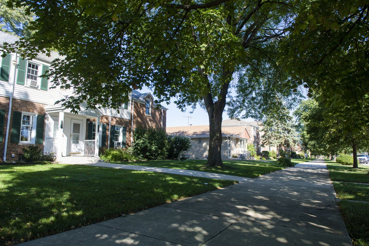 Homes in the Northwest Side's Edison Park neighborhood. File  Photo.