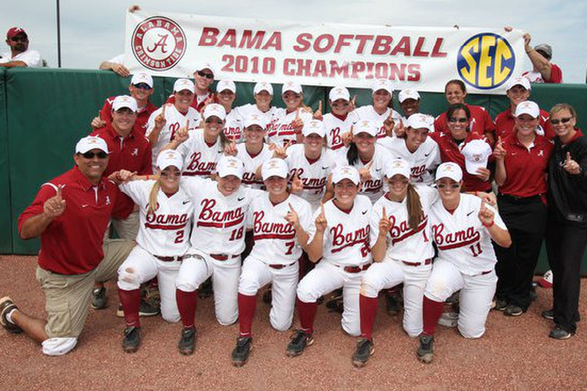 "Alabama Crimson Tide Softball 2010 SEC Champions. Photo: <a href=""http://www.rolltide.com/view.gal?id=68950"" target=""new"">Kent Gidley</a>"