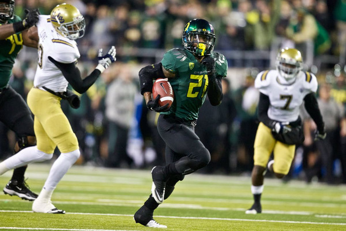 Oregon's LaMichael James sliced and diced UCLA in the Pac12 Championship Game for 3 touchdowns, and 219 rushing yards. <em>(Photo by Bruce Ely, The Oregonian)</em>